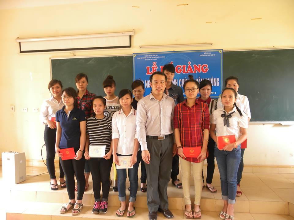 Bế giảng Lớp bồi dưỡng nghiệp vụ Hành chính – Văn phòng khóa IV